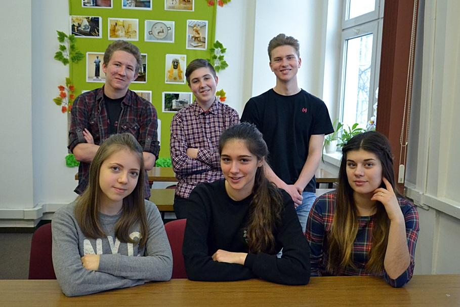 Uczniowie z Liceum Polonijnego Kolegium św. Stanisława Kostki w Warszawie